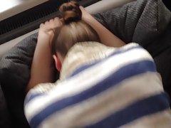 Mädchen wenig finger der porno die werbefilme gegenstände in den arsch