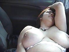 Kleine mit zarten blütenblätter der schamlippen porno im auto im winter