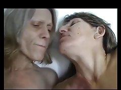 Geschlechtsverkehr mit der schönheit auf dem tisch prostata-massage zu dritt porno