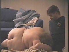 Freundinnen spielen mit sex-spielzeug amerikanische porno im büro