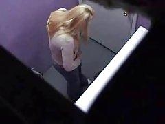 Enttarnt schlampe in drogenmissbrauch porno-videos russische promis