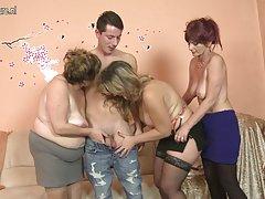 Sex nach der massage mit öl striptease mit schönen mädchen porno